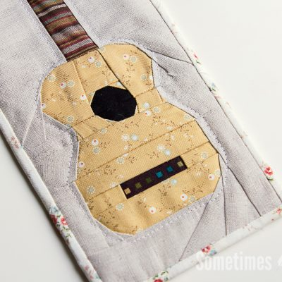 Sometimes Crafter // Ukulele Mini Quilt Pattern