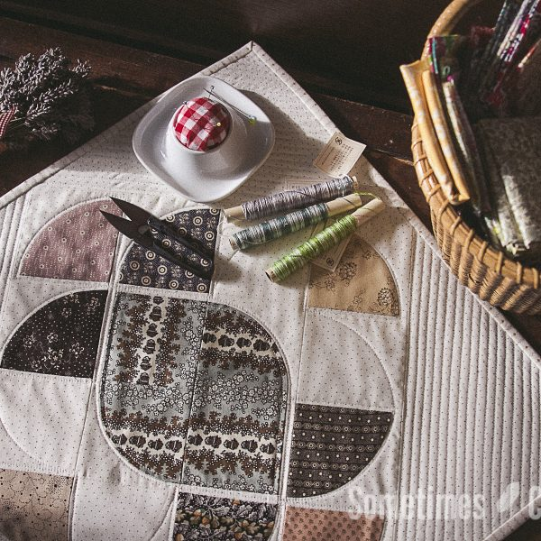 Sometimes Crafter // Ornate Mini Quilt Pattern