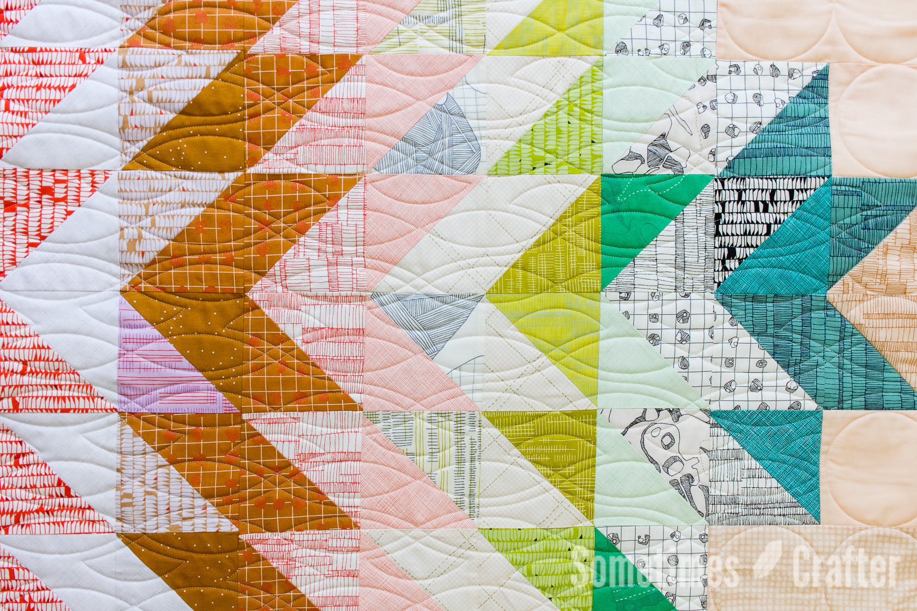 Sometimes Crafter Longarm Quilting // Custom HST Quilt